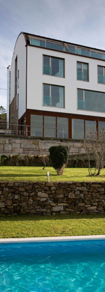 hoteles con encanto en galicia con piscina exterior y barbacoa
